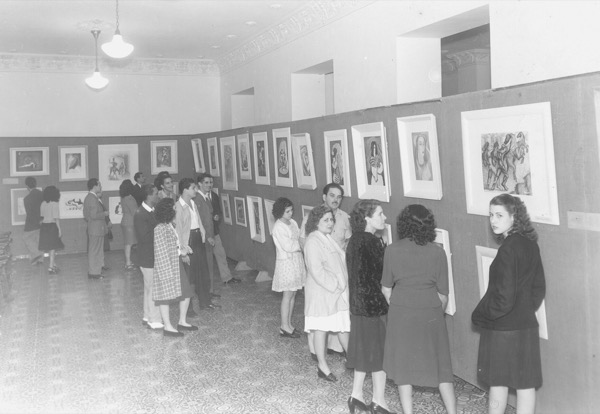 1948 - Exhibit of his drawings in Matanzas Gallary, Soriano (3rd person from left)